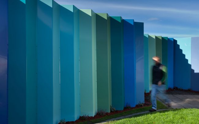 Anit ligature fence provides a smooth surface with no hand or foot holds