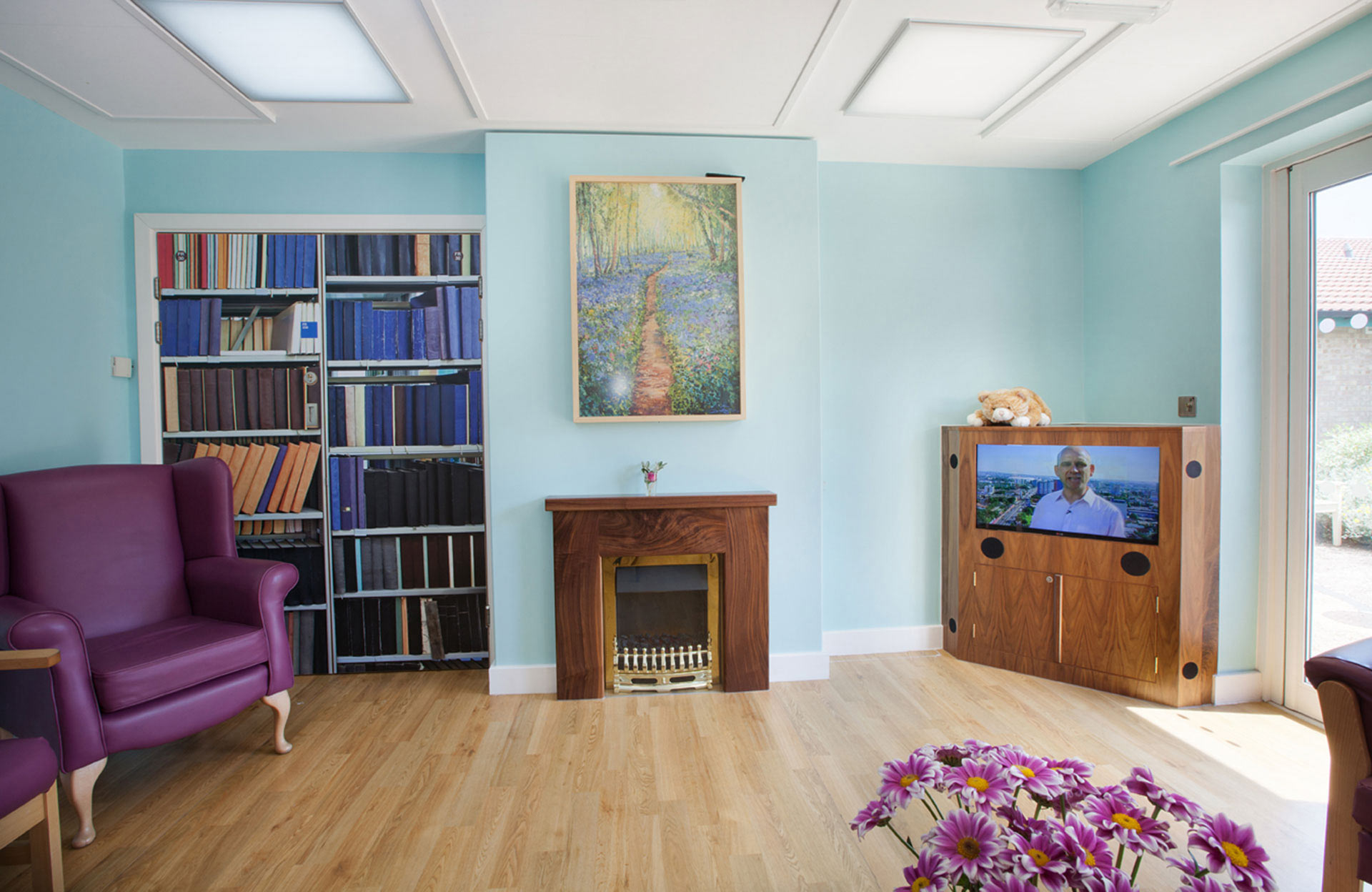 Contrasting upholstery colours to aid visually impaired patients at dementia ward