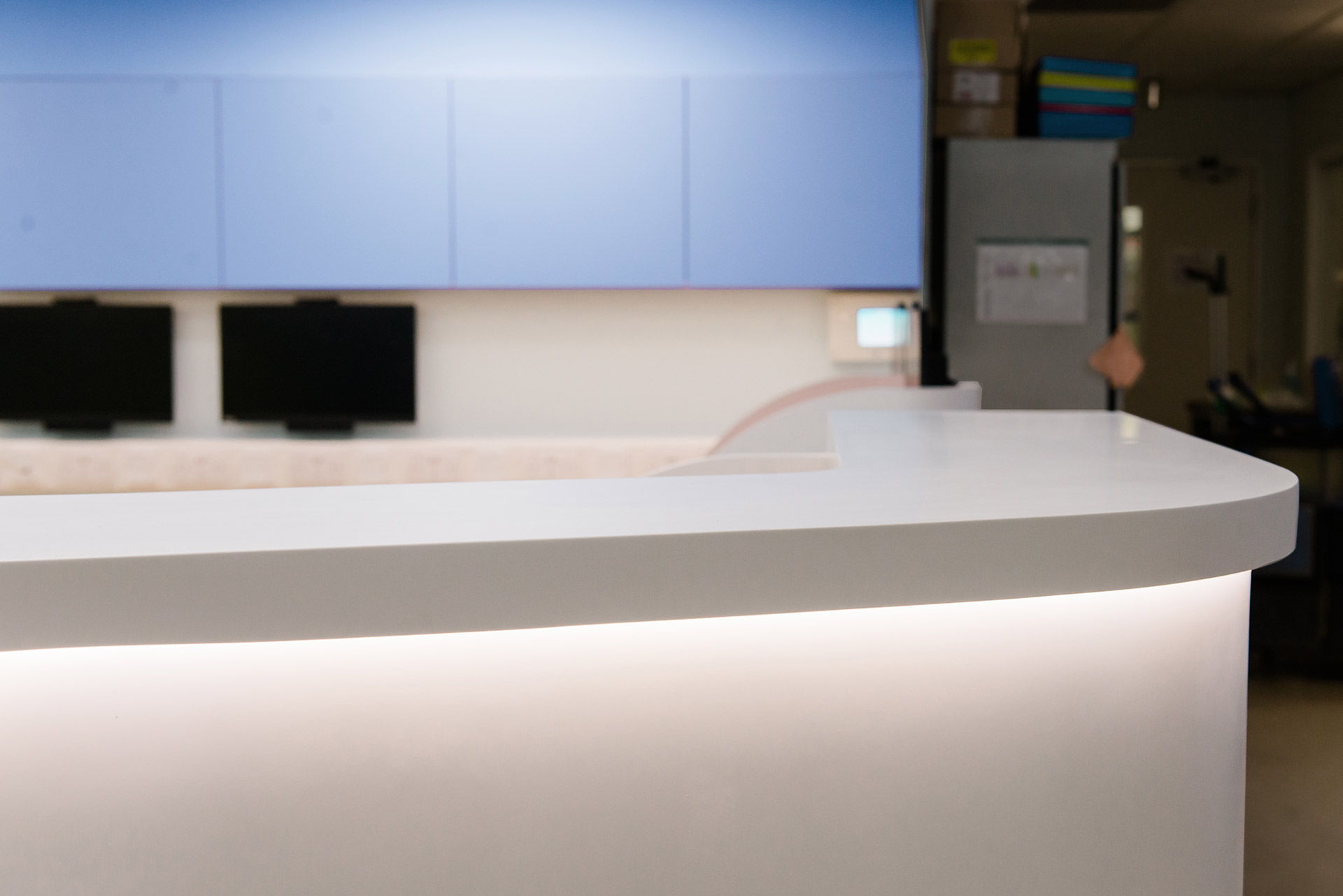 Corian nurses station at intensive care ward designed by Boex